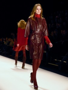 Model bei Blacky Dress - Mercedes Benz Fashion Week in Berlin