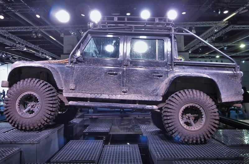 Land Rover Defender - IAA2015 - 007 Spectre
