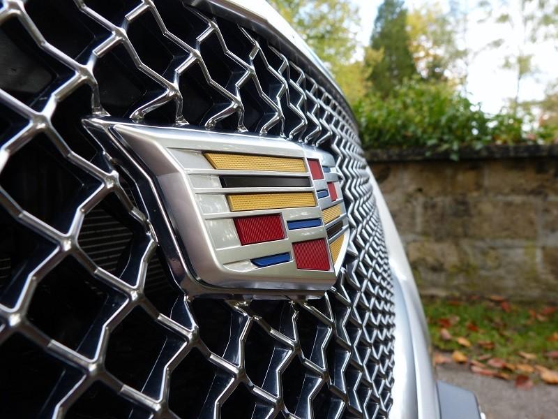 Cadillac Logo - CTS-V Front