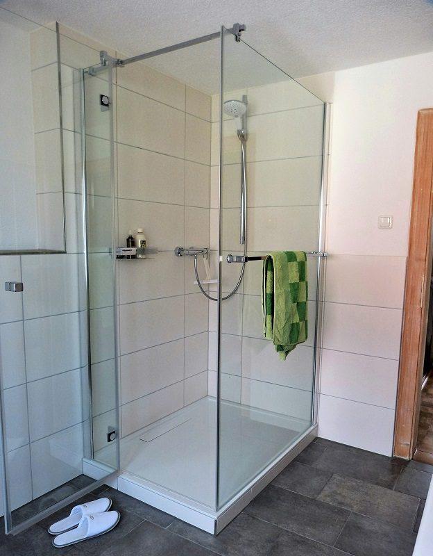 Bad Dusche von Villeroy & Boch