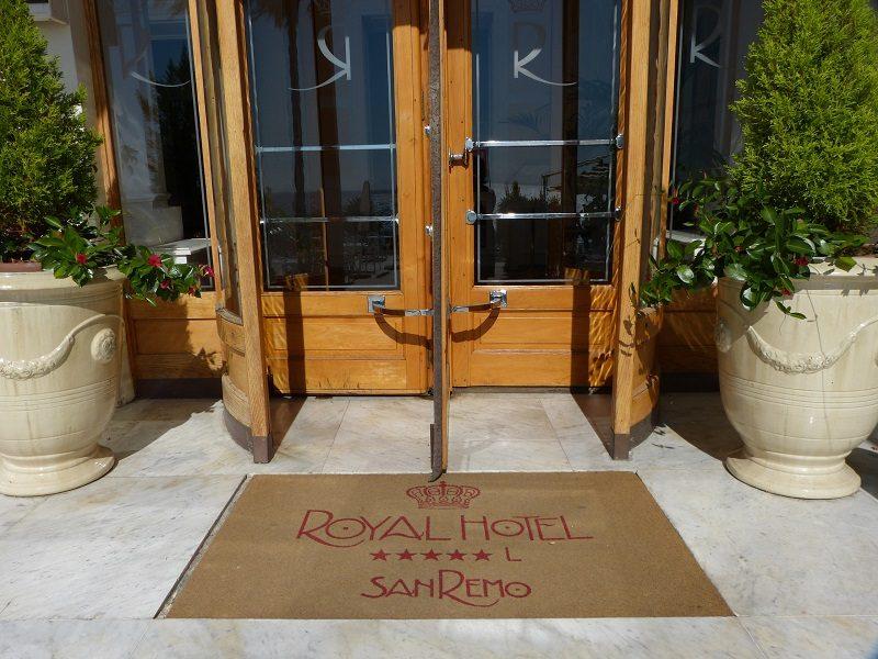 Royal Hotel Sanremo Eingang zum Pool/Meer
