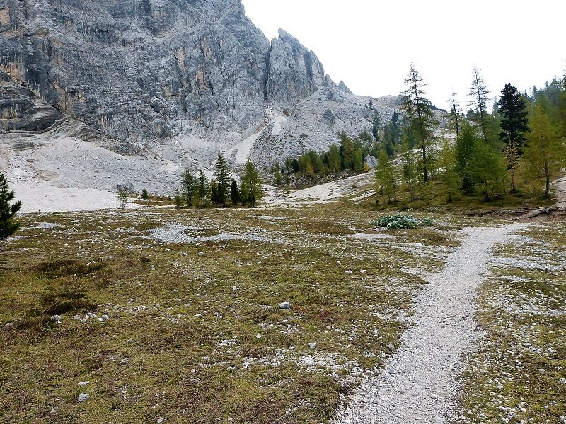 Weg zur Wallfahrtskirche Heilig Kreuz in Alta Badia