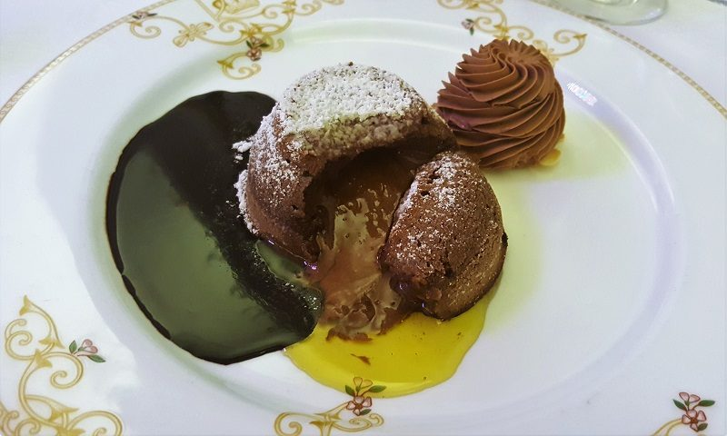 Dessert (mit Olivenöl) im Royal Hotel Sanremo