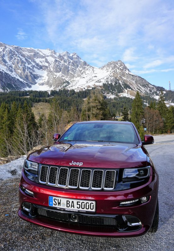 Mit dem Jeep Grand Cherokee SRT8 in die Berge - olschis-world