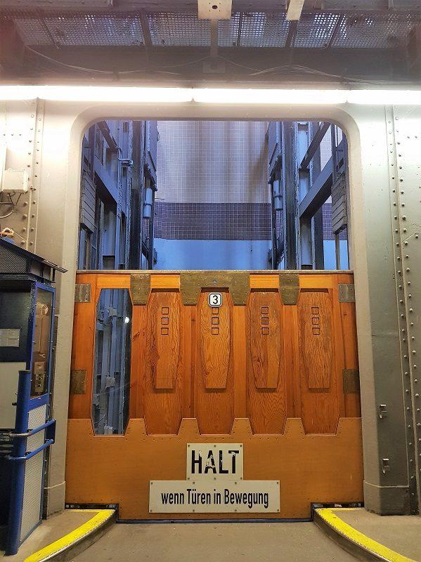 Aufzug im alten Elbtunnel in Hamburg