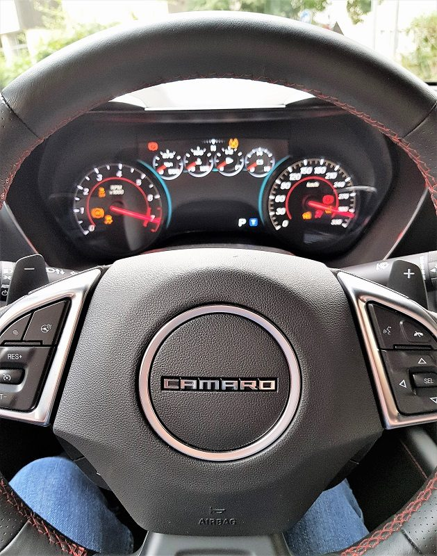Chevrolet Camaro 6.2 V8 MT Coupé - Cockpit