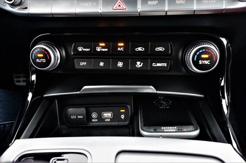 Der Kia Stinger von Beständig Autowelt - Induktives Laden