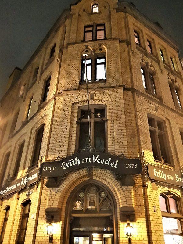 Eingang Früh im Veedel in Köln