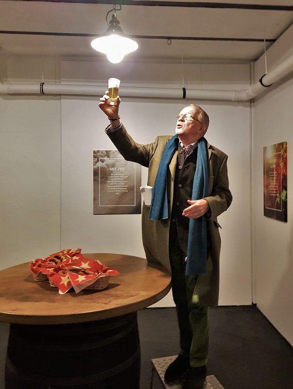 Hugo Fiege im Keller seiner Brauerei Fiege in Bochum