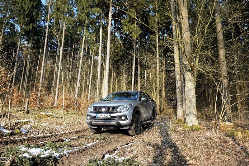 Fiat Fullback Cross - Offroad im Wald