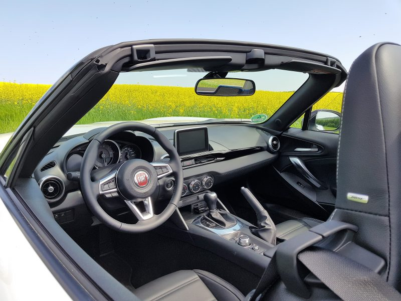 Fiat 124 Spider S-Design - Inside