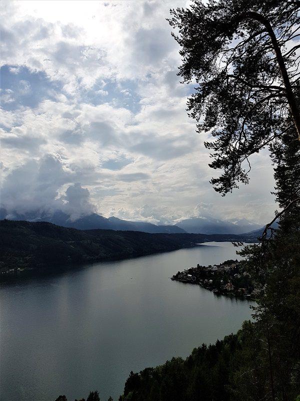 Auf dem Slow Trail mit Blick auf den Millstätter See - Kärnten