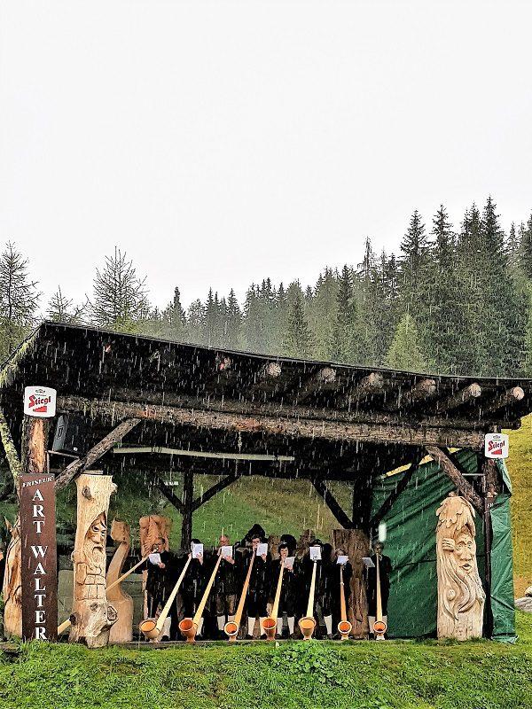 Alphornbläser zur Eröffnung vom Hüttenkult