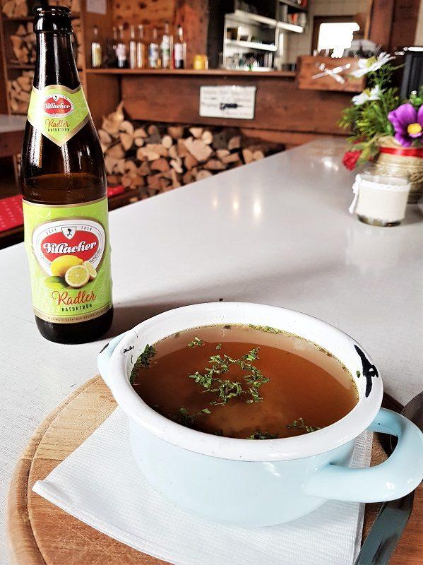 Suppe auf der Bertahütte in Kärnten beim Hüttenkult