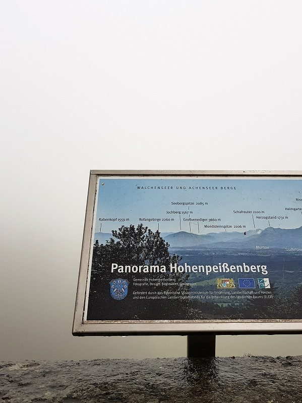 Aussicht im Nebel am Hohenpeißenberg - Pfaffenwinkel
