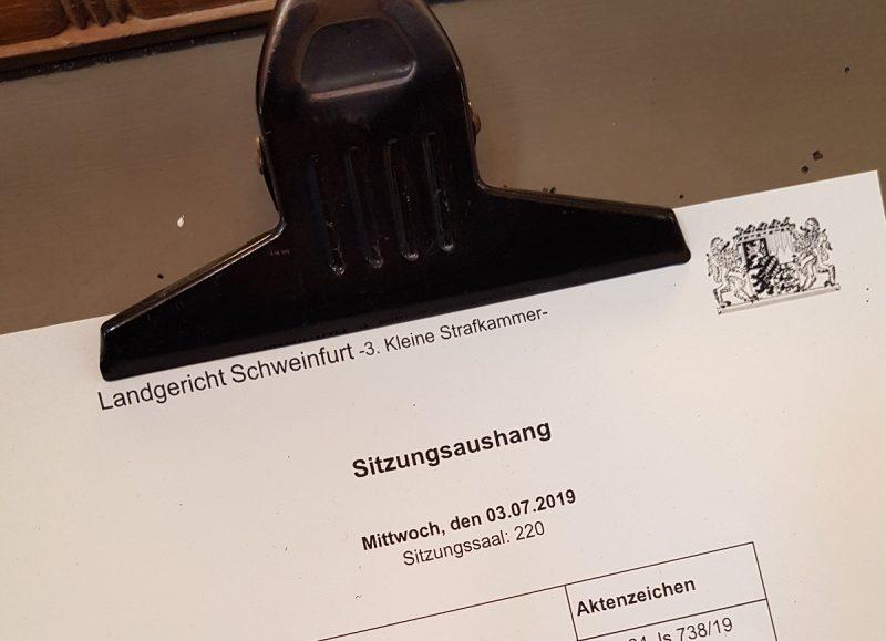 Aushängetafel im Landgericht Schweinfurt