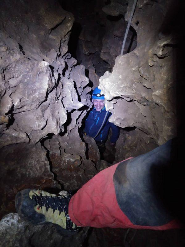 Höhlenklettern in der Bismarckgrotte im Nürnberger Land