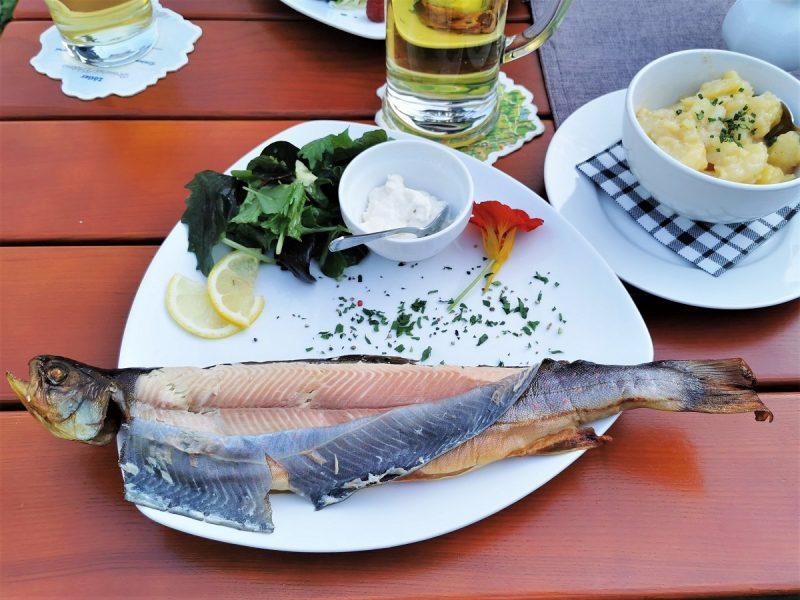 Essen in der Prinze Gumpe in Hinterstein - Grenzgänger