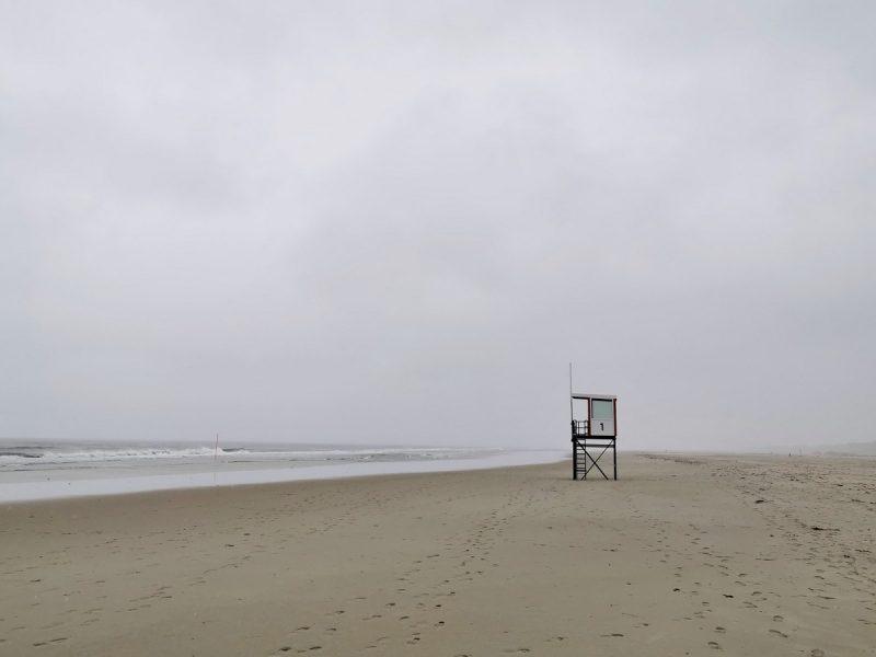 Regenwetter am Strand von Juist
