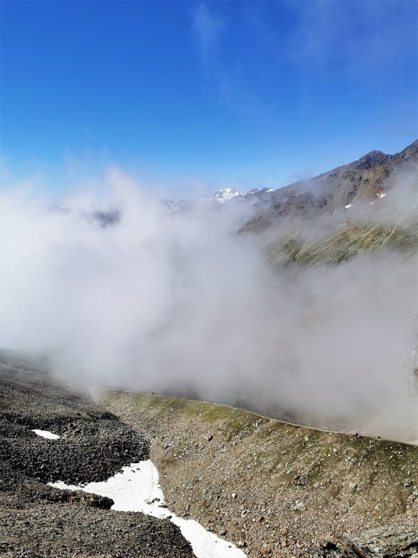 Abstieg über die Seitenmoräne vom Wilden Mannle zur Breslauer Hütte im Ötztal