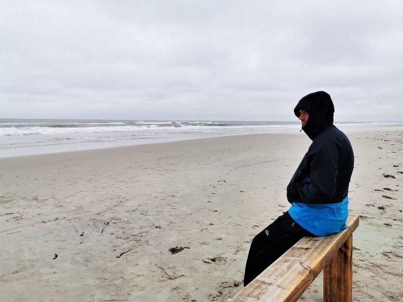 An einem Regentag alleine am Strand von Juist