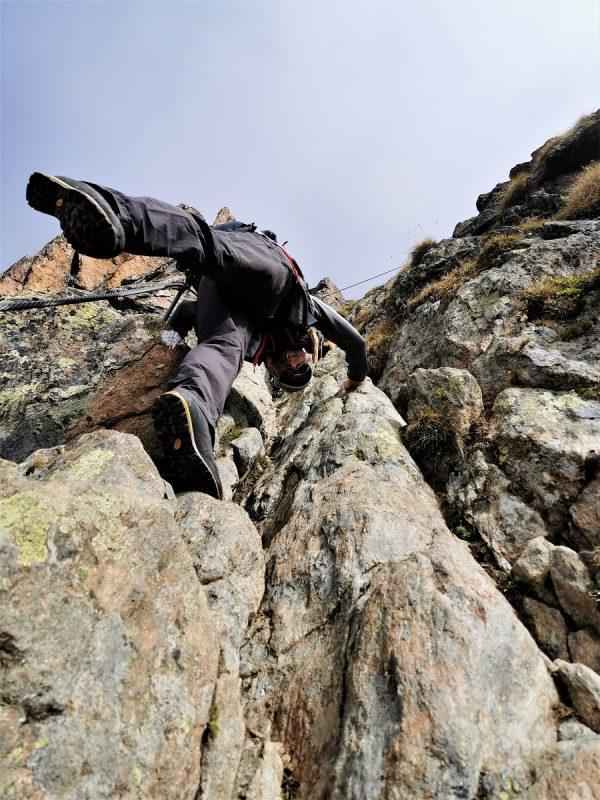 Abstieg vom Wilden Mannle über den Rofenkarsteig zur Breslauer Hütte im Ötztal