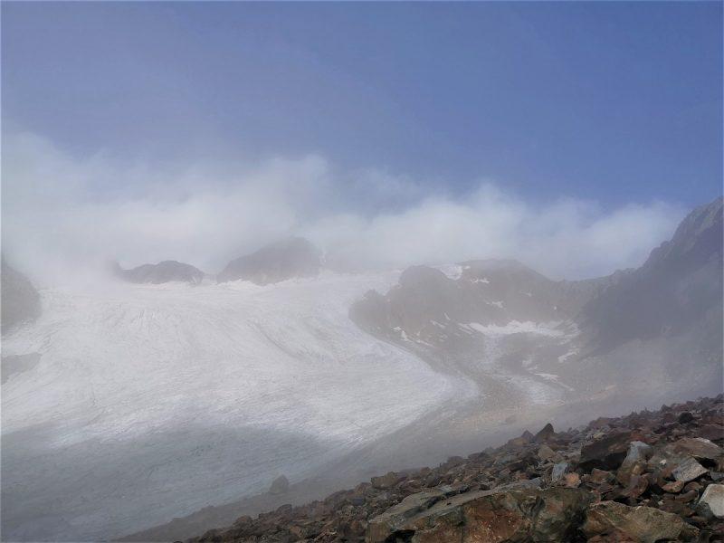 Der Fluchtkogel bei Vent in Wolken