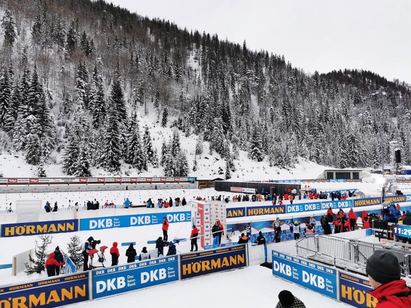 Start Biathlon Sprint der Damen in Hochfilzen - Fieberbrunn