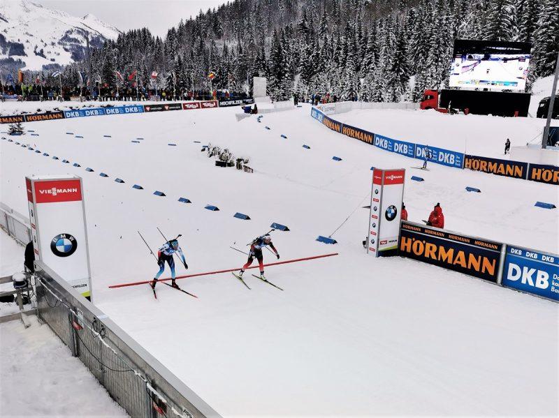 Zieleinlauf Biathlon Sprint der Damen in Hochfilzen - Fieberbrunn