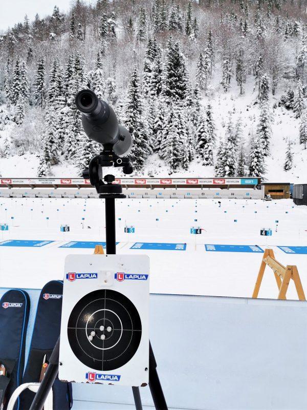 Am Biathlon Schießstand in Hochfilzen - Fieberbrunn