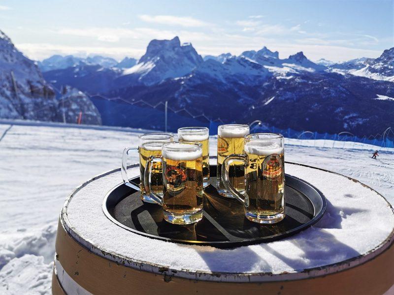 Bier auf der Rifugio Capanna Tondi in Cortina d'Ampezzo