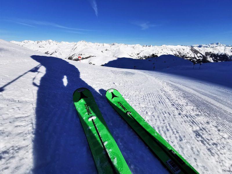 Skifahren im Skizentrum St. Jakob - Atomic