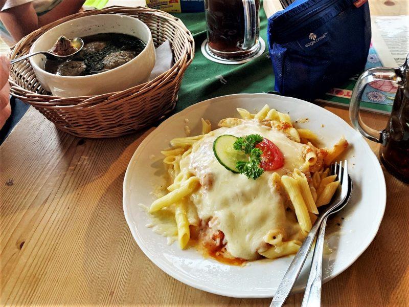 Abendessen auf dem Schachenhaus bei Garmisch-Partenkirchen