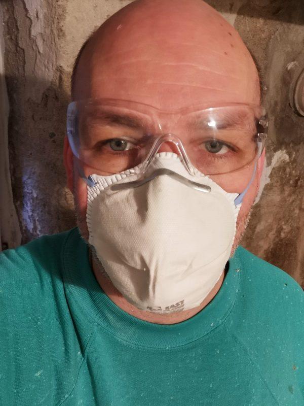 Schutzausrüstung für die Sanierung im Keller
