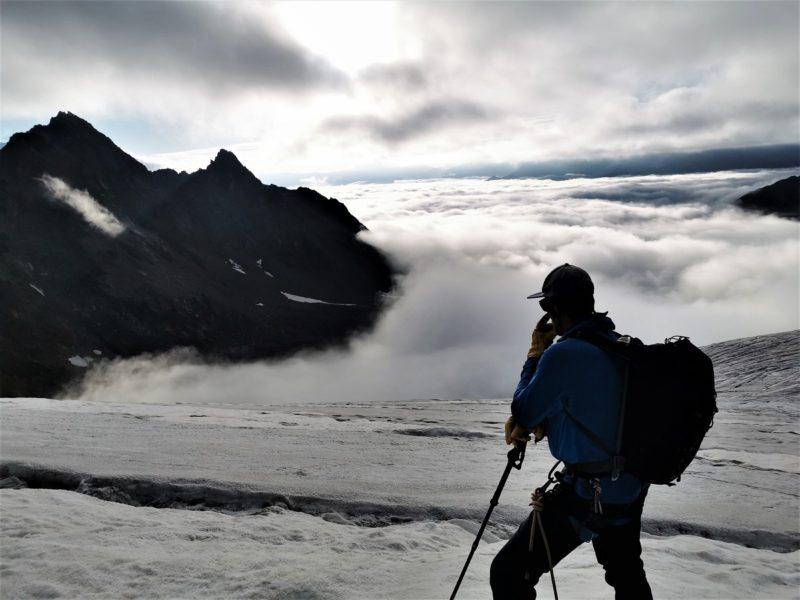 Unser Bergführer Michael genießt die Aussicht
