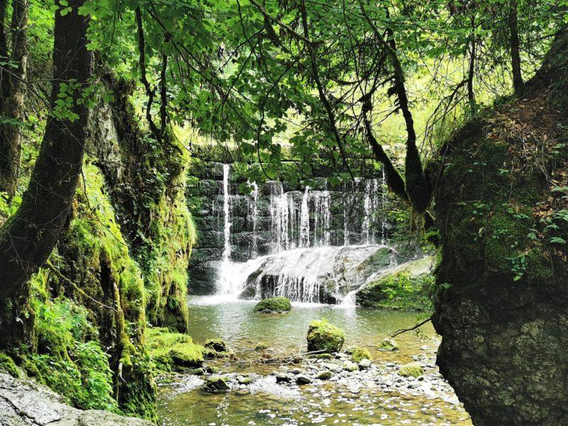 Der Geratser Wasserfall im Rahmen der Wandertrilogie Allgäu