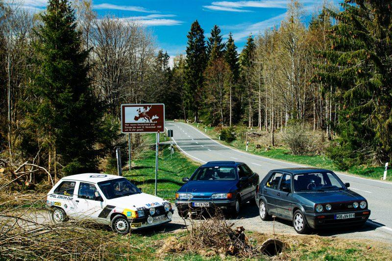 Alle Fahrzeuge am Grenzschild - AltesBlechAlteGrenze