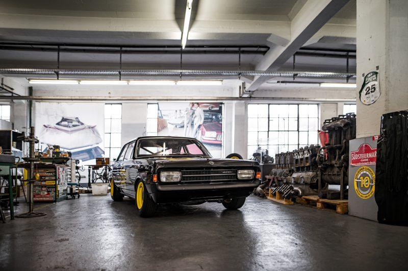 Die Schwarze Witwe in der Opel Classic Abteilung in Rüsselsheim - AltesBlechAlteGrenze