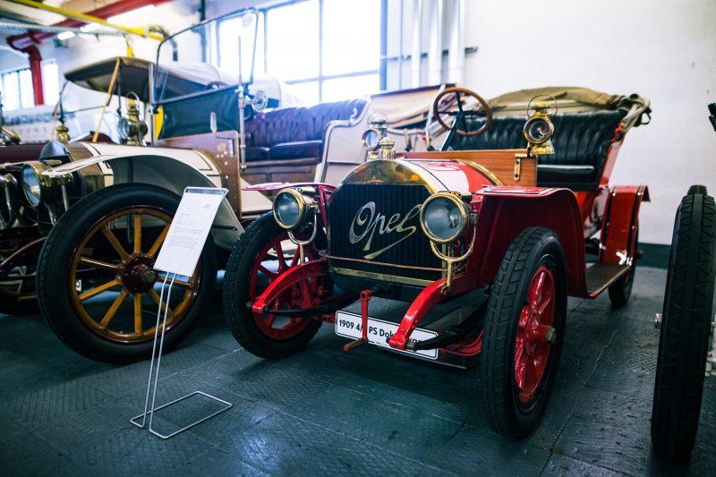 In der Opel Classic Abteilung in Rüsselsheim - AltesBlechAlteGrenze