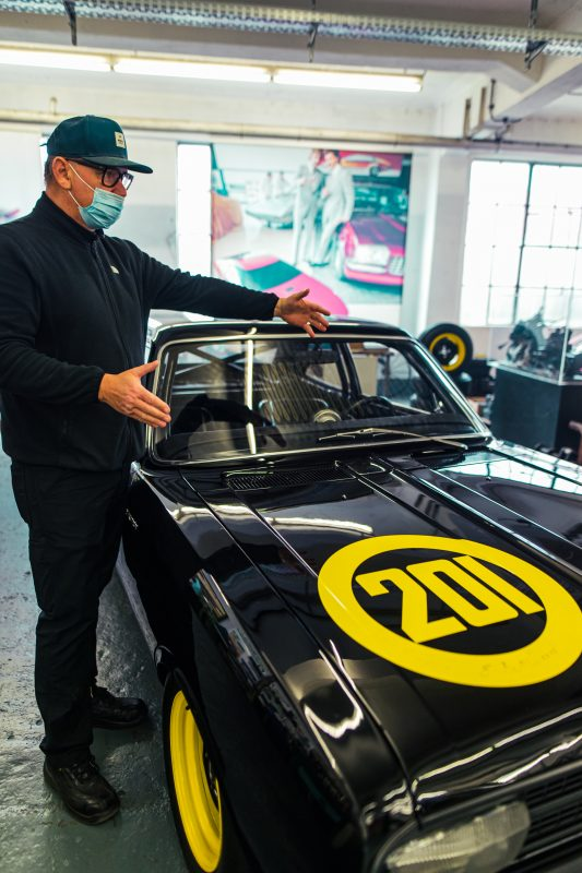 Werkstattleiter Jens von der Opel Classic Abteilung in Rüsselsheim - AltesBlechAlteGrenze