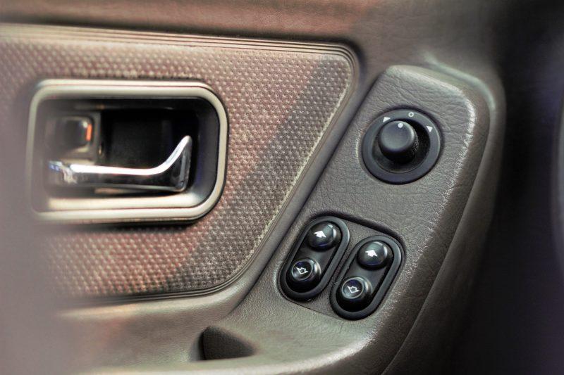 Elektrische Fensterheber vorne im Ford Scorpio MK1 - #AltesBlechAlteGrenze
