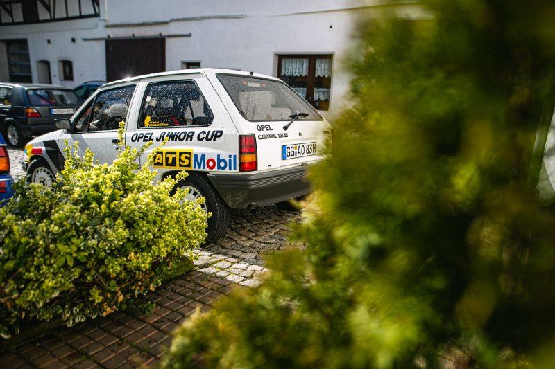 Opel Corsa A Cup im Hof von Hartmut Glück in Tanna - #AltesBlechAlteGrenze