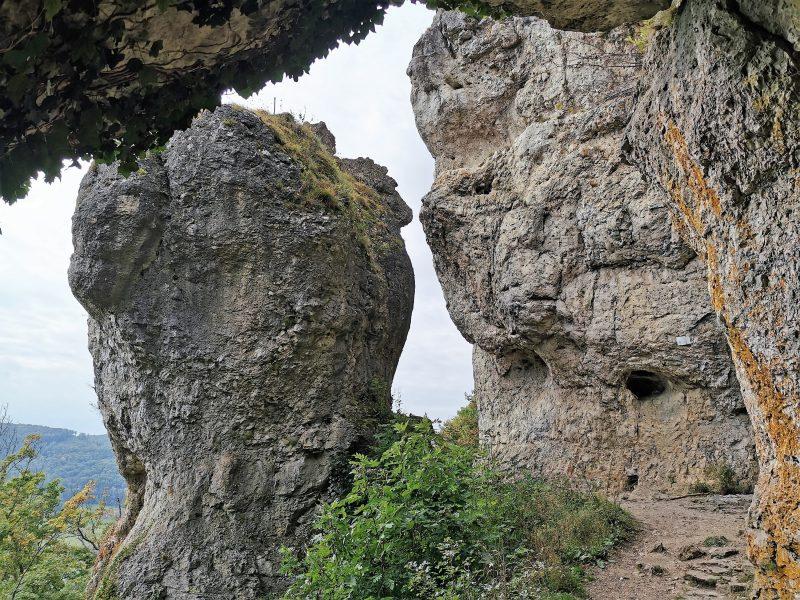 Der Hohle Fels auf dem Frankenalb Panoramaweg im Nürnberger Land