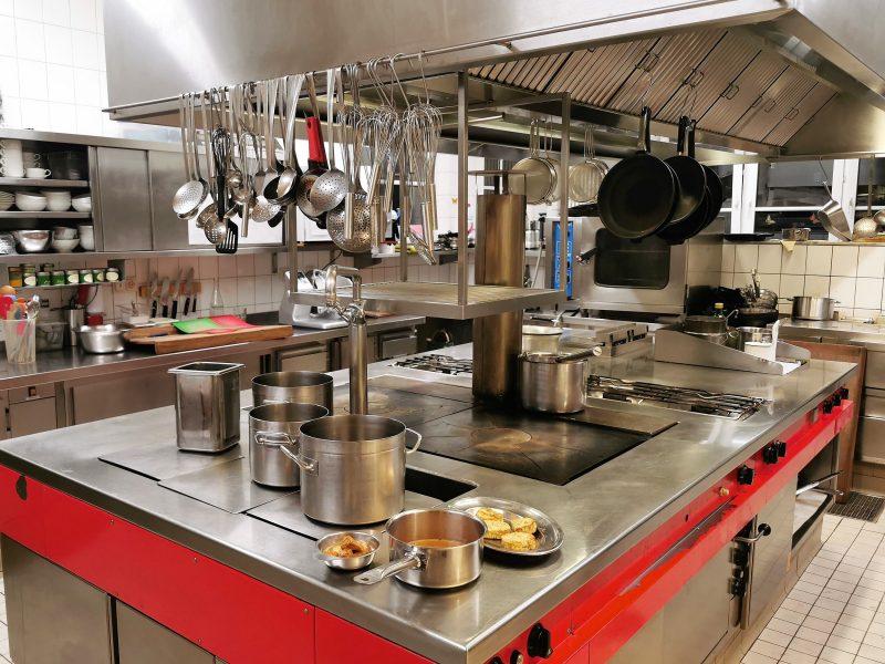 Küche im Gasthaus zur Krone in Großheubach in Churfranken